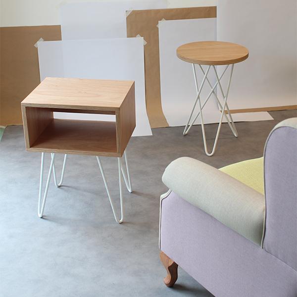 Mesa de luz hairpin legs muebles online de dise o for Muebles online uruguay